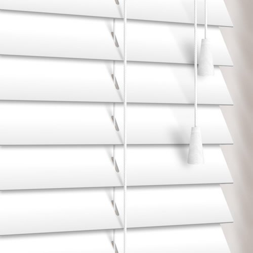 35mm Stark White Wooden Blind