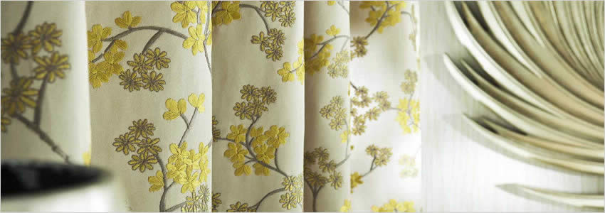 Chinoiserie Embroidered Flowers White Gold Amp Yellow Luxury