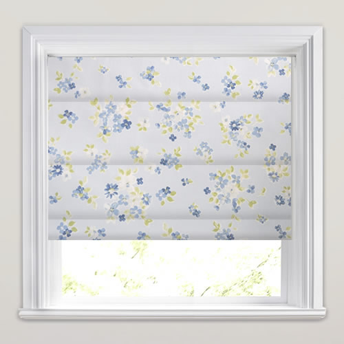 Pretty White Blue Amp Green Posie Flowers Patterned Roman
